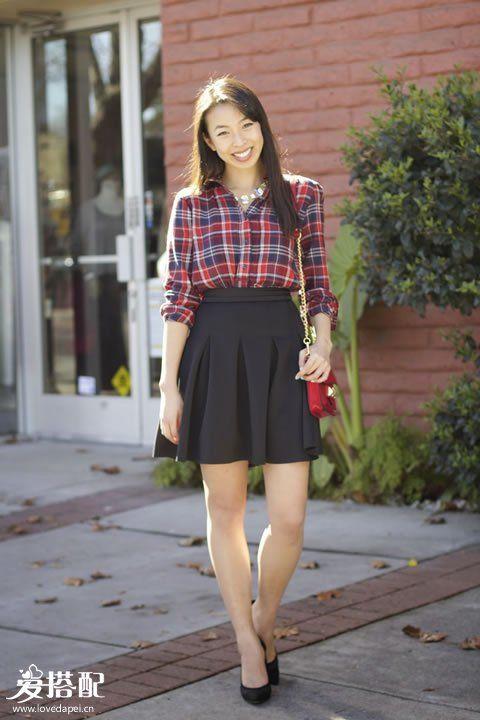 黑色迷笛裙+红色格子衬衫
