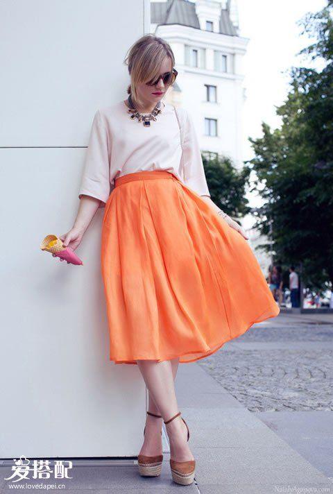 桃红色迷笛裙+淡粉色衬衫