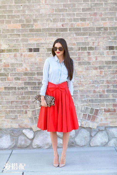 红色迷笛裙+牛仔衬衫