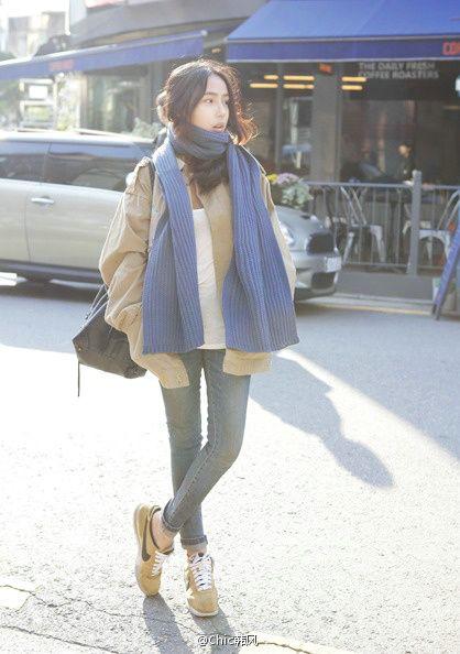 保暖围巾正当季 时尚配搭别有韵味